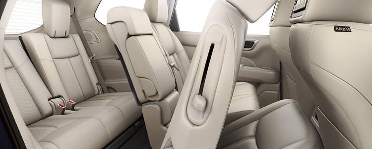 2016-nissan-pathfinder-interior-seating-hamilton-on