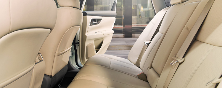 2016-nissan-altima-interior-seating-hamilton-on